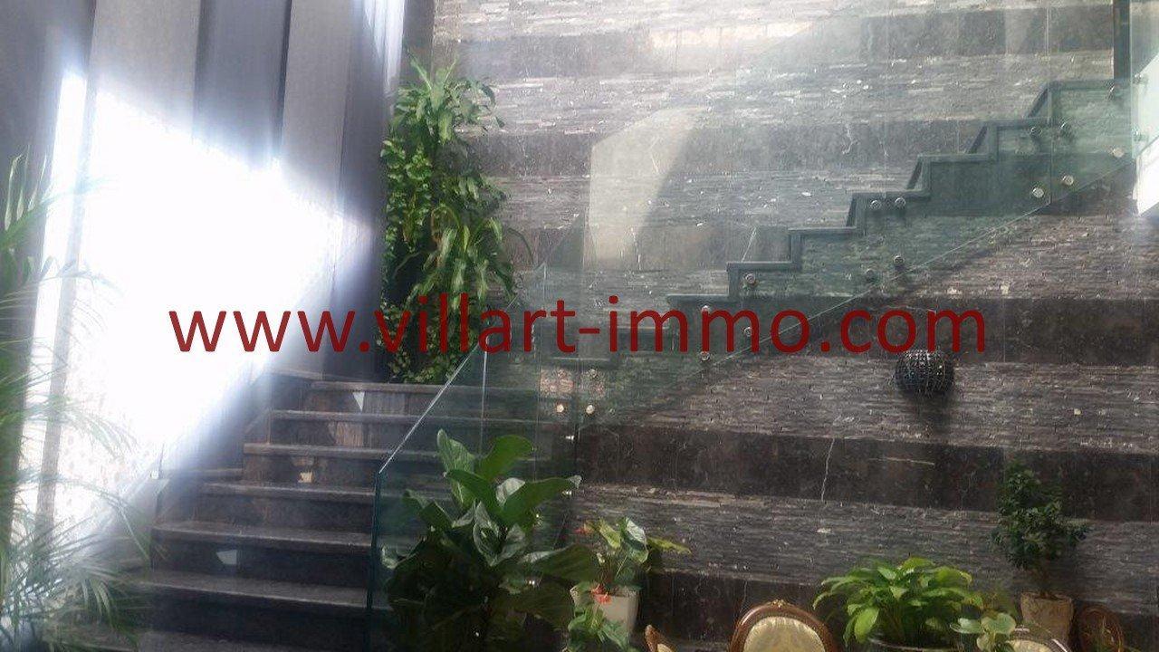 10-Avendre-Villa--Tanger-Tanja Balia-Escalier-VV543