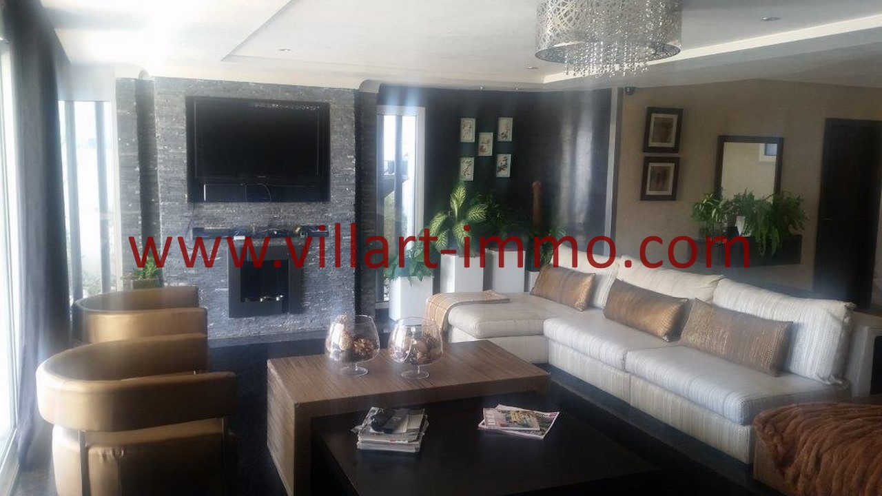2-L1091-Location-Appartement-Meublé-Tanger-Salon