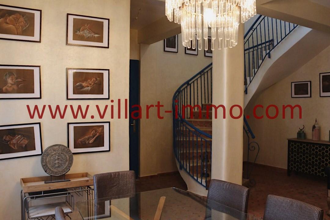 3-Location-Villa-Meublée-Tanger-California-Escalier-LV1093