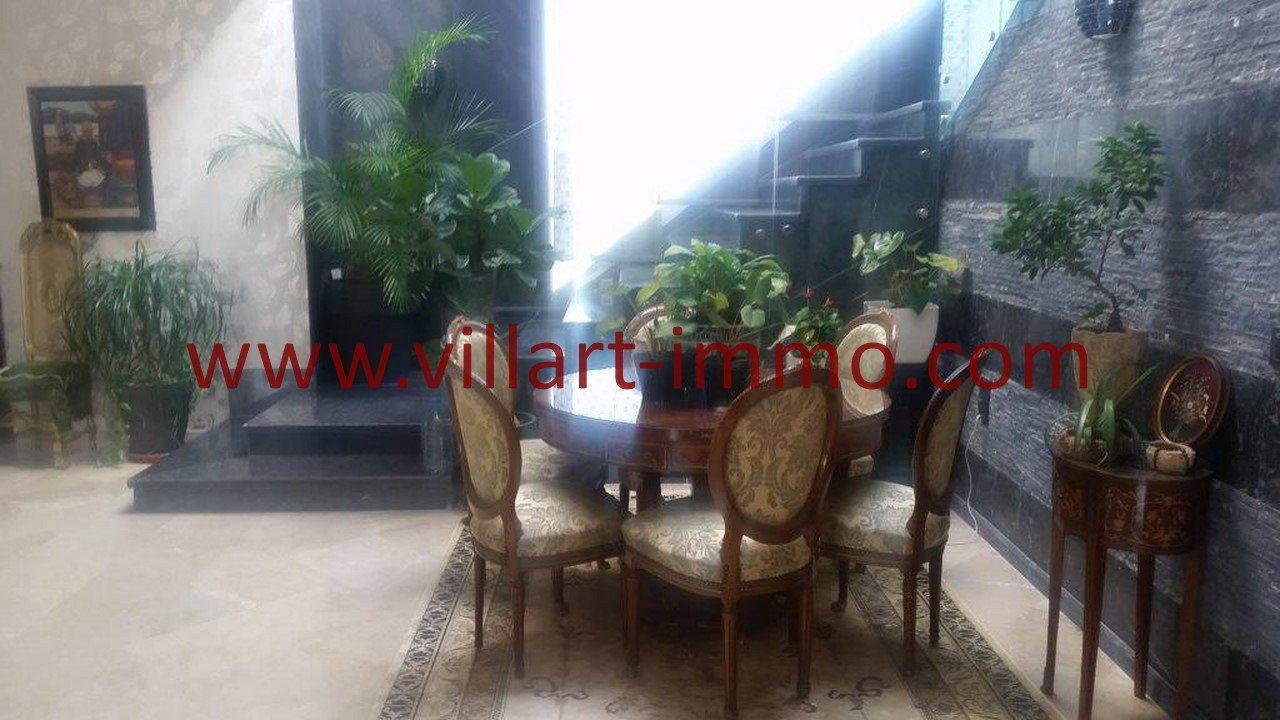 8-A vendre-Villa-Tanger-Tanja Balia-Salon-VV543