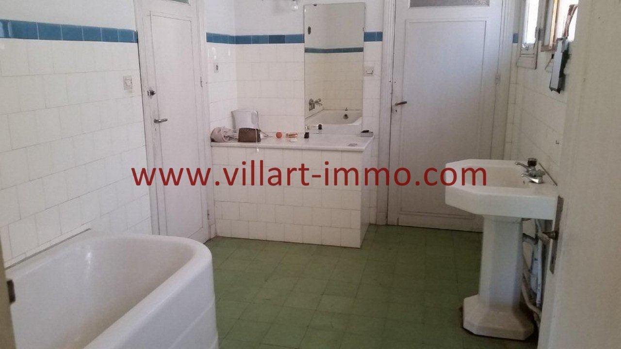14-Vente-Villa-Tanger-Charf-Salle de bain -VV549-Villart Immo