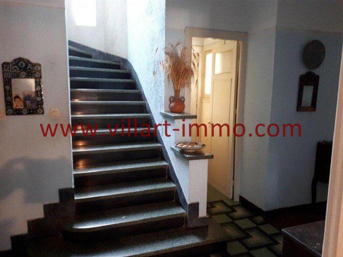 6-Vente-Villa-Tanger-Charf-Escalier-VV549-Villart Immo