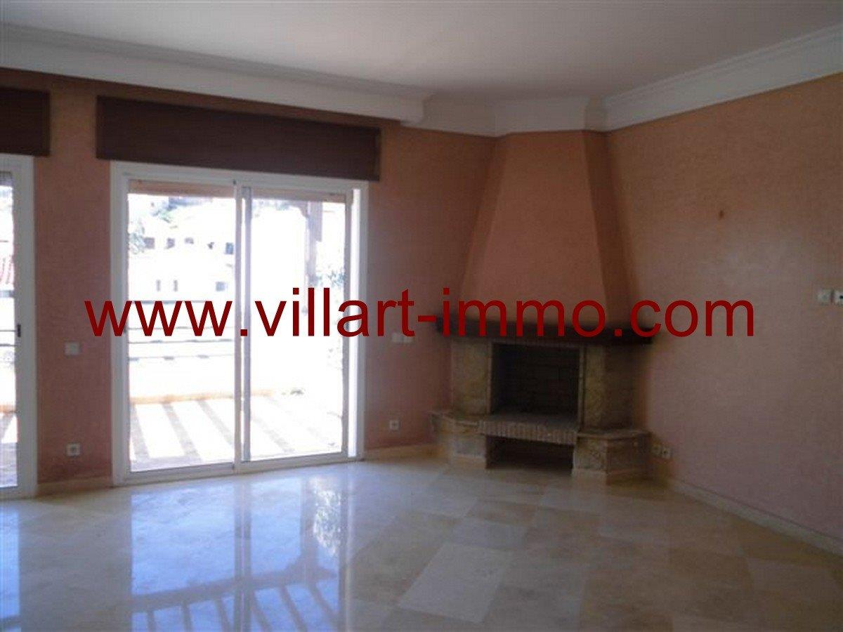 2-Vente -Appartement-Tanger-Boubana-Salon 1 -VA124