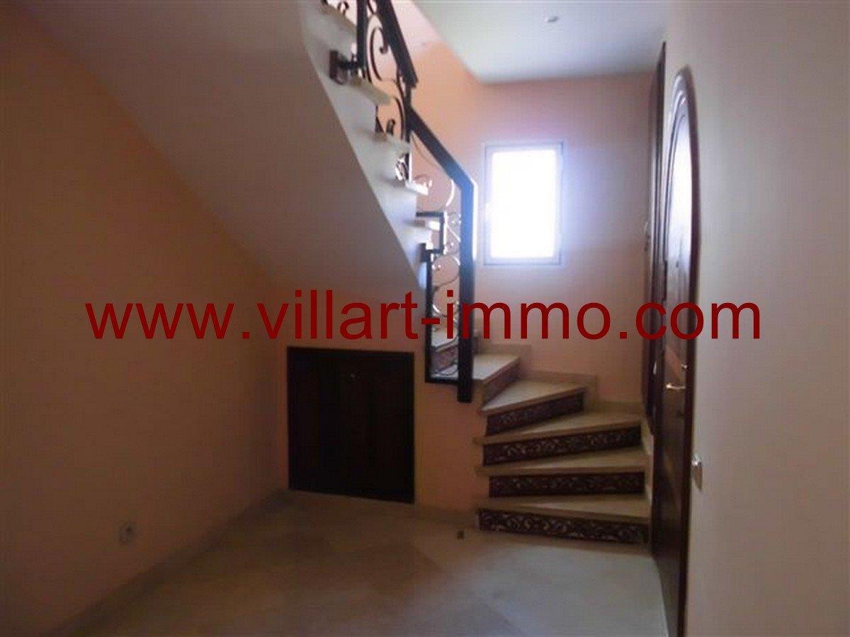 6-Vente -Appartement-Tanger-Boubana-Escalier -VA124
