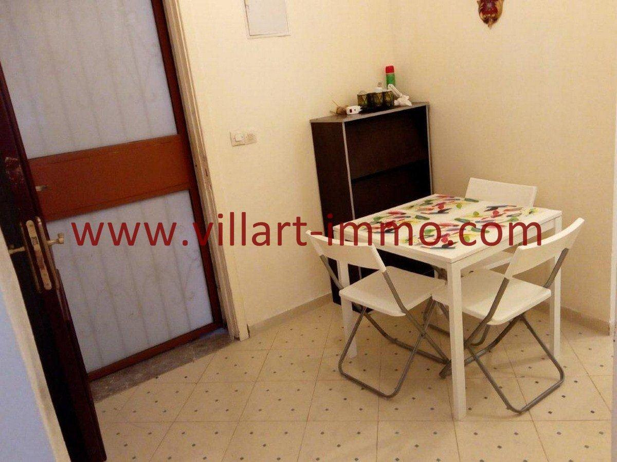2-Vente-Appartement-Tanger-Salon 1-VA562-Villart Immo