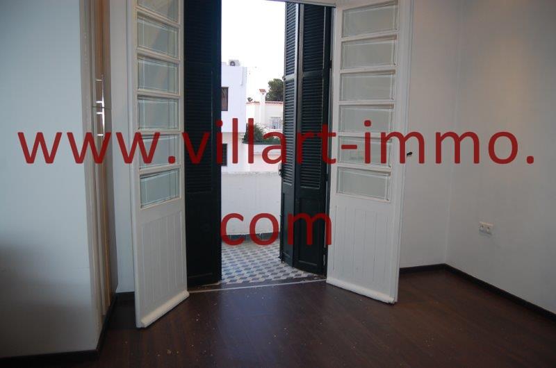 9-A louer-Appart-non meublé-Tanger- Chambre principale -Accès- Balcon L1086-Villart immo- Maroc