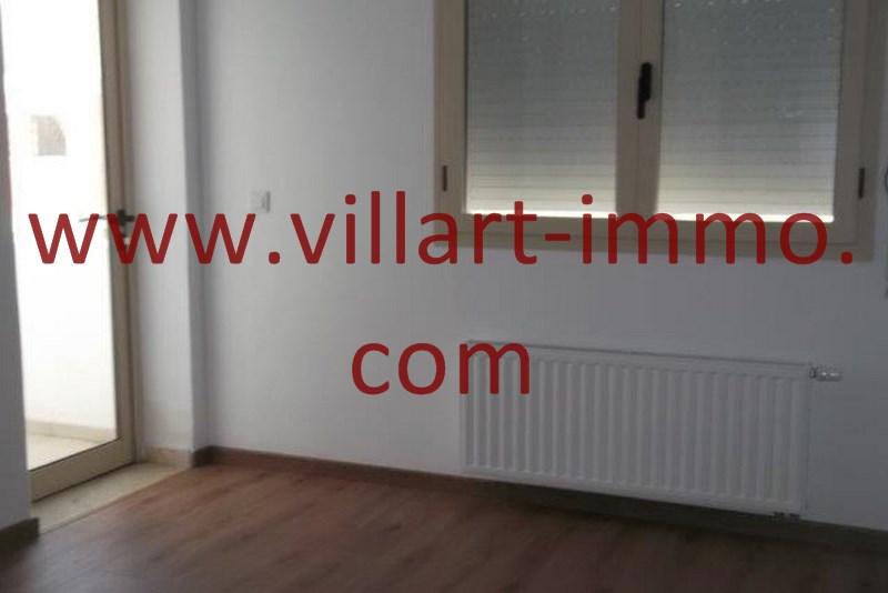 7-A louer-Appart-non meublé-Tanger-Chambre2-Accès balcon-L1103-Villart immo