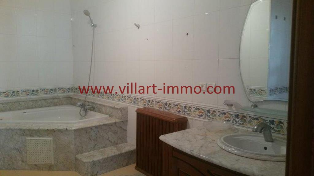 11-A louer Villa meublé-Tanger-SDB+Hammam-LV1105-