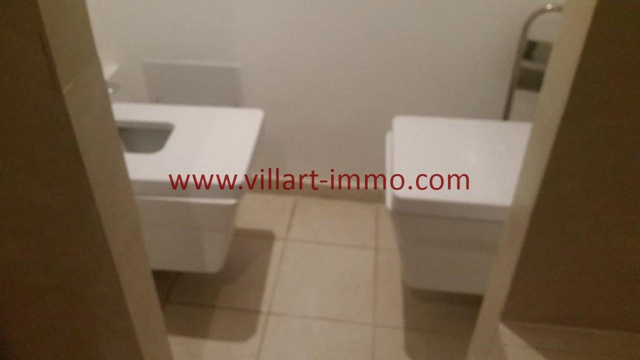 13-Location-appartement-meublé-Tanger-WC-L1107