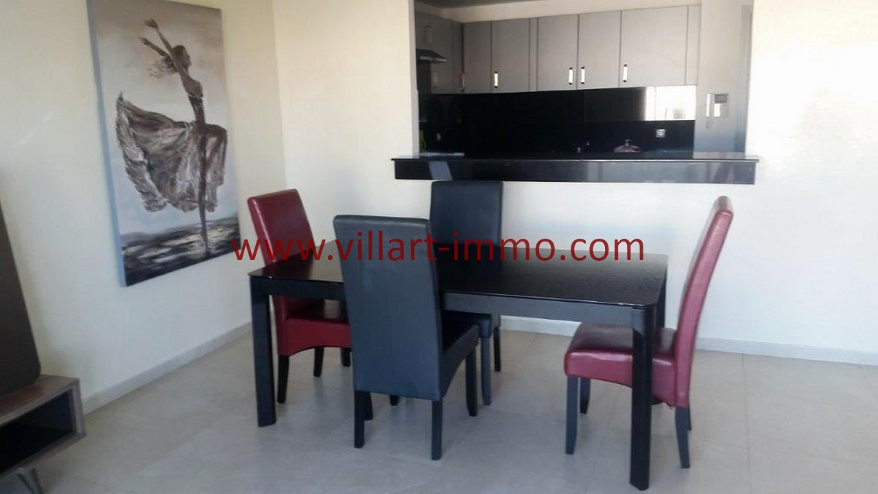 3-Location-appartement-meublé-Tanger-salle à manger-L1107