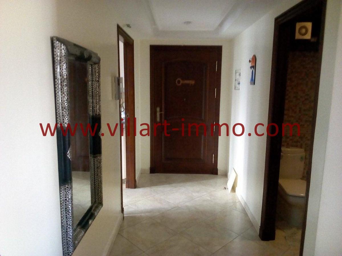 9-Vente-Appartement-Tanger-Centre-Entrée-VA578-Villart Immo