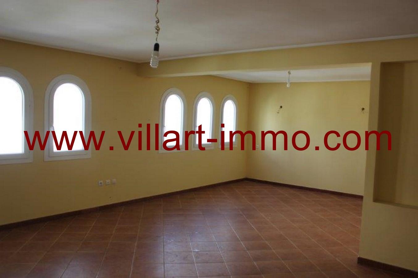 1-a-vendre-appartement-tanger-malabata-salon-va419-villart-immo-agence-immobiliere