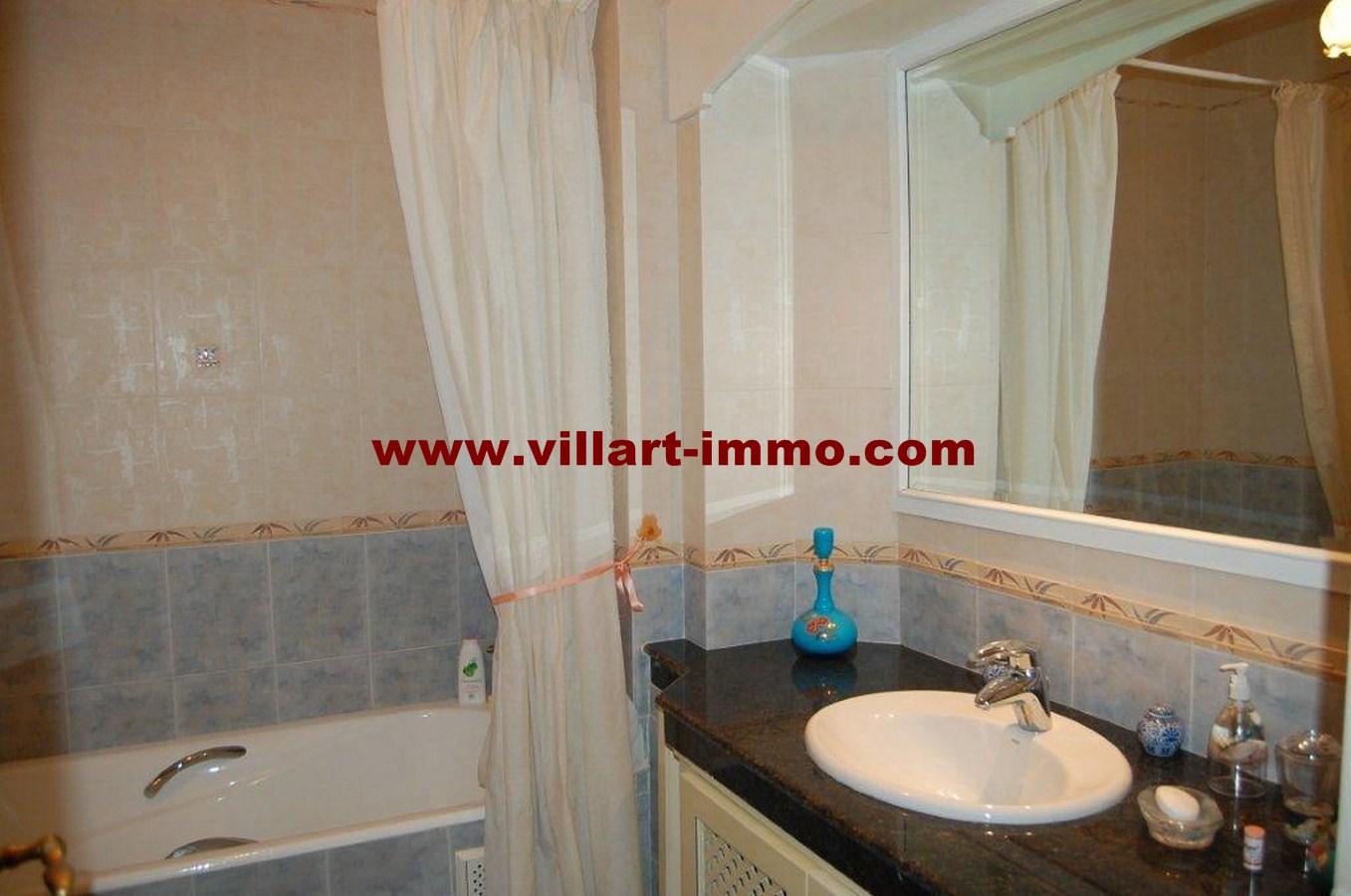 11-vente-appartement-tanger-la-montagne-salle-de-bain-1-va452-villart-immo
