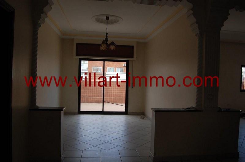 2-location-appartement-meuble-centre-ville-tanger-salon-1-l962-villart-immo