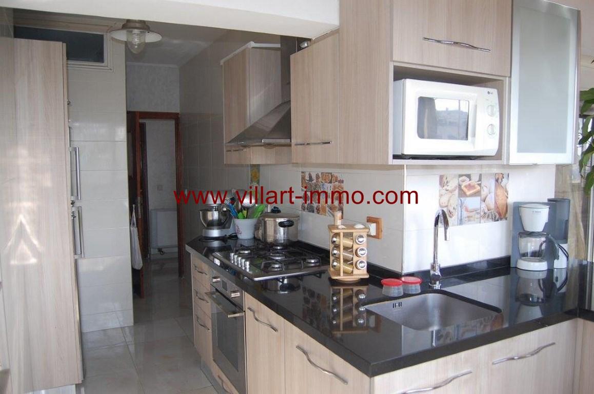12-Location-Appartement-Meublé-Nejma-Cuisine-L1009-Agence-Villart-Immo-Tanger