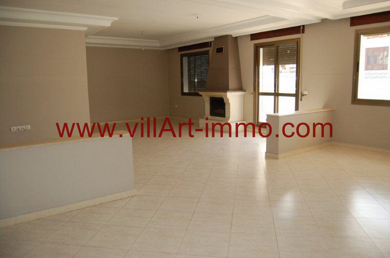 2-Location-Appartement-Non meublé-Tanger-Salon 1-L734-Villart immo