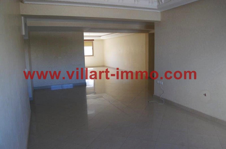 2-Location-Appartement-Non meublé-Tanger-Salon-L716-Villart immo