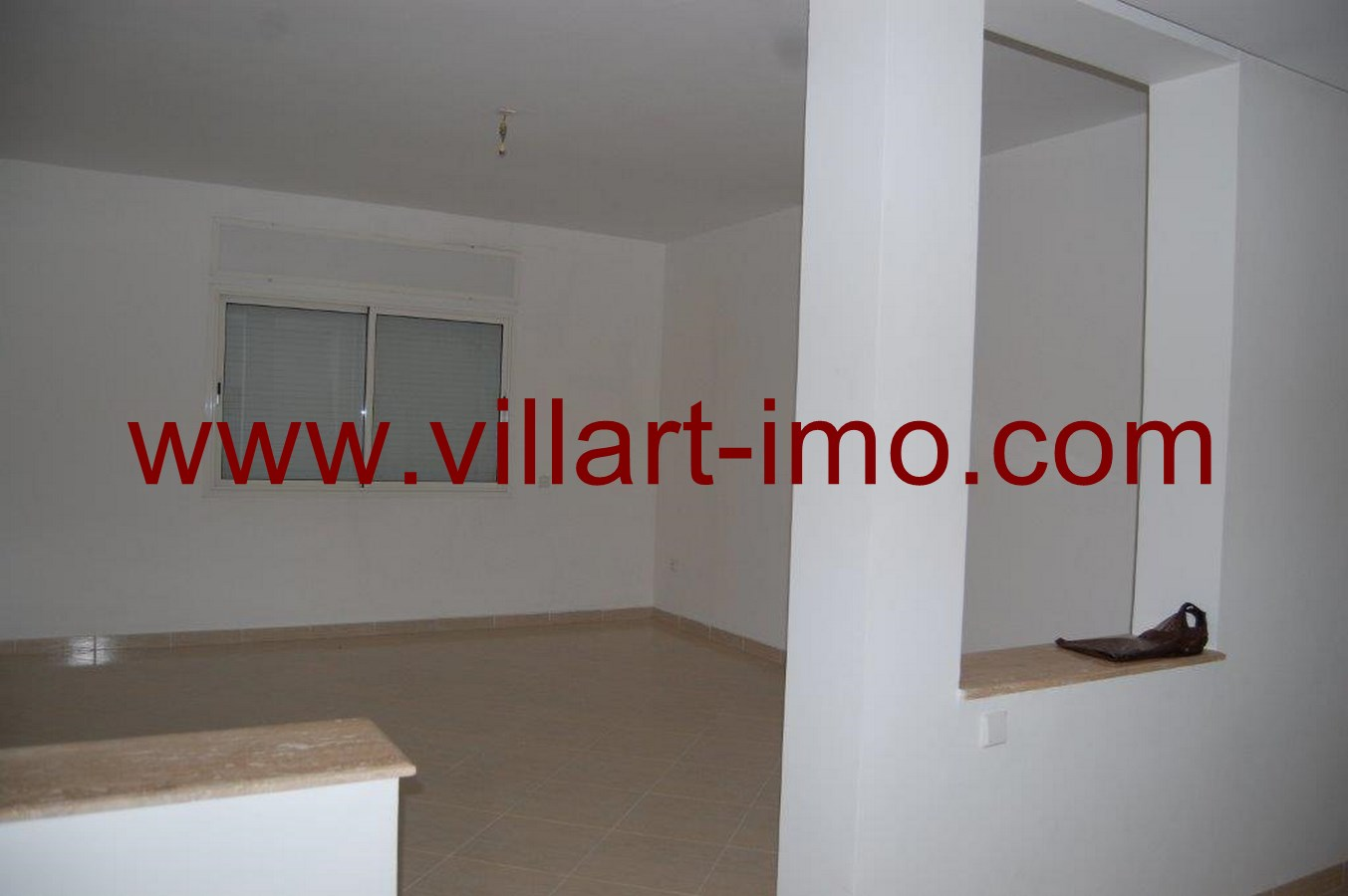 2-Location-Tanger-Appartement-Non meublé-Route de Rabat-L483-Salon