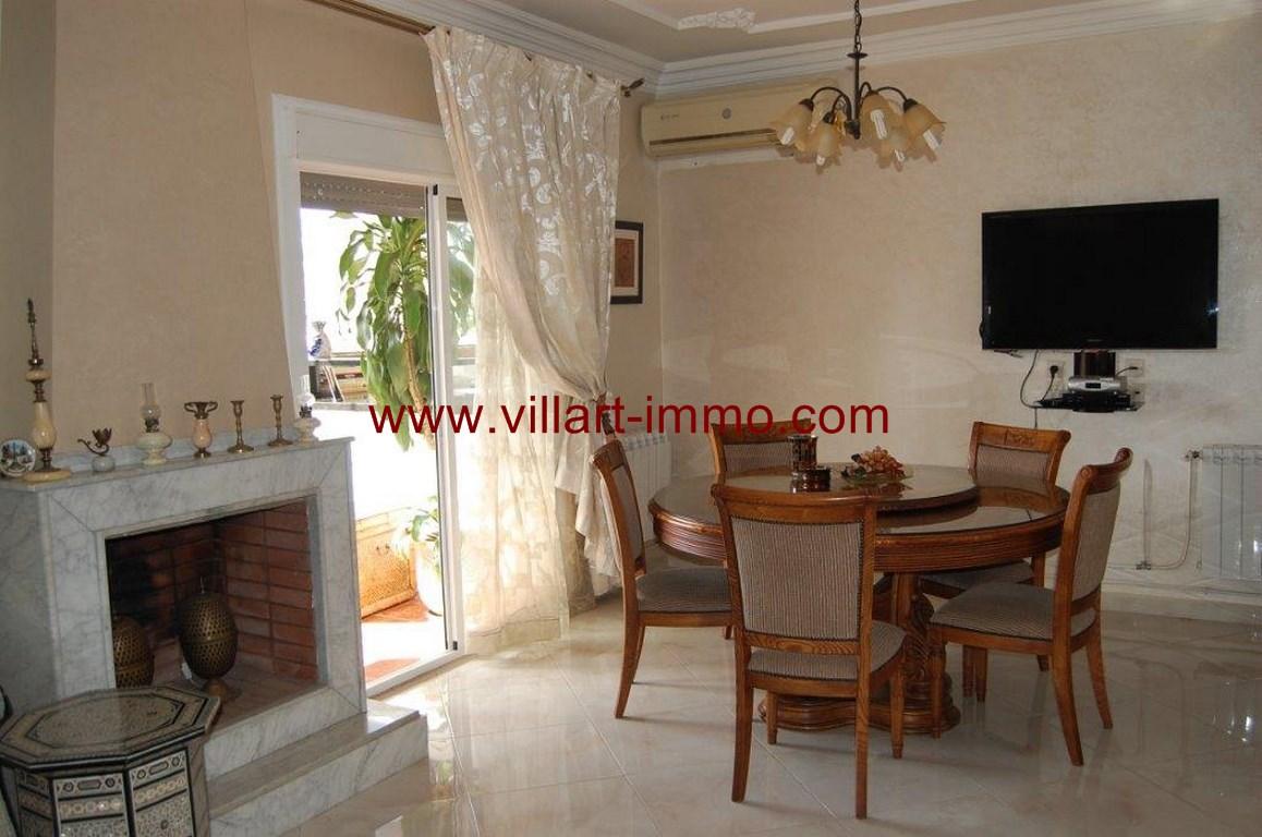 3-Location-Appartement-Meublé-Nejma-Salle à manger-L1009-Agence-Villart-Immo-Tanger