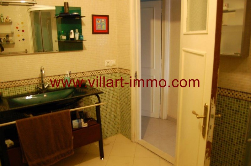 5-location-Appartement-Non Meublé-Tanger-Nejma-Salle de bain-L1022-Villart Immo-Maroc