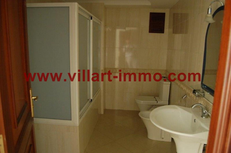 8-Location-Appartement-Non meublé-Tanger-Salle de bian 2-L716-Villart immo