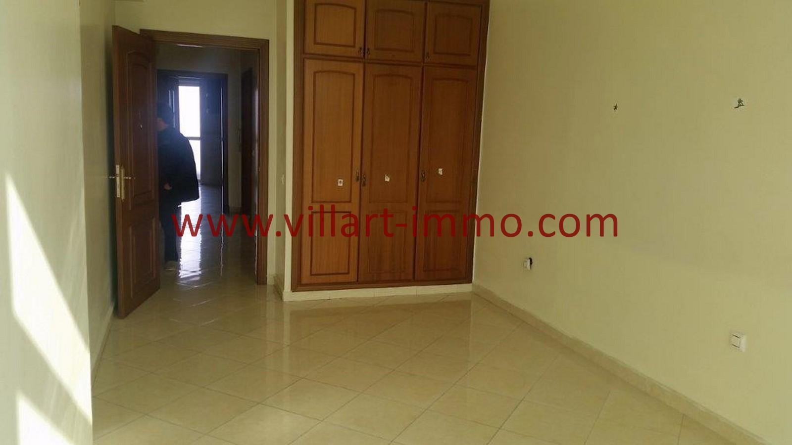 10-A louer-Tanger-Appartement-Non meublée-Centre ville-Chambre-L1029
