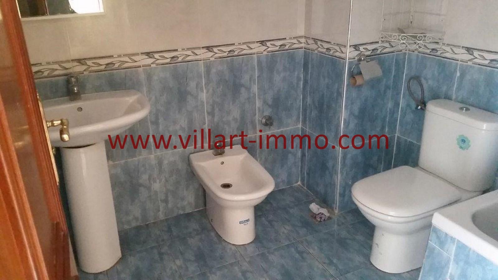 12-A louer-Tanger-Appartement-Non meublée-Centre ville-Salle de bain-L1029