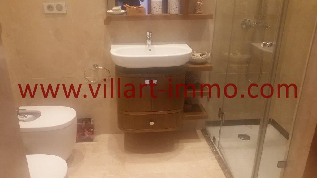 13-A vendre-Tanger-Appartement-Centre ville-Salle de bain 2-VA612