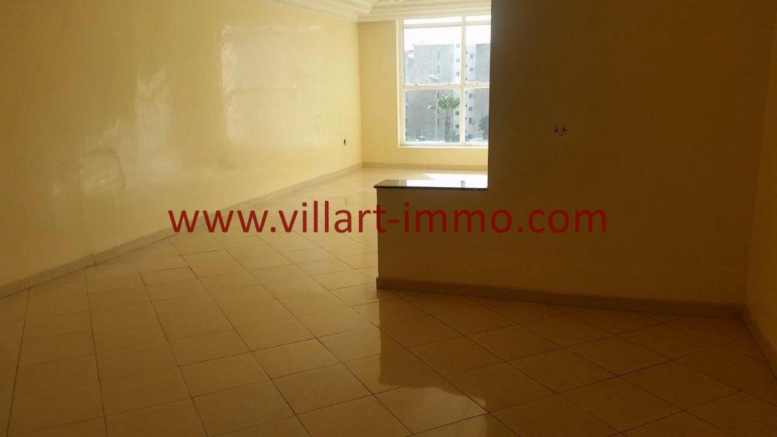 2-A louer-Tanger-Appartement-Non meublée-Centre ville-Salon-L1029