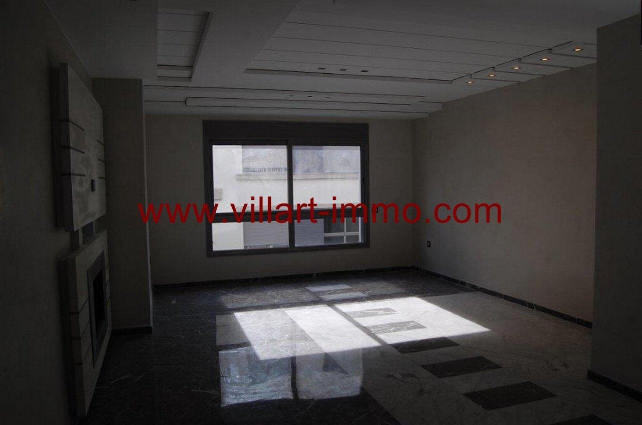 1-A louer-Appartement-Non meublé-Tanger-Salon 1-L905-Villart immo