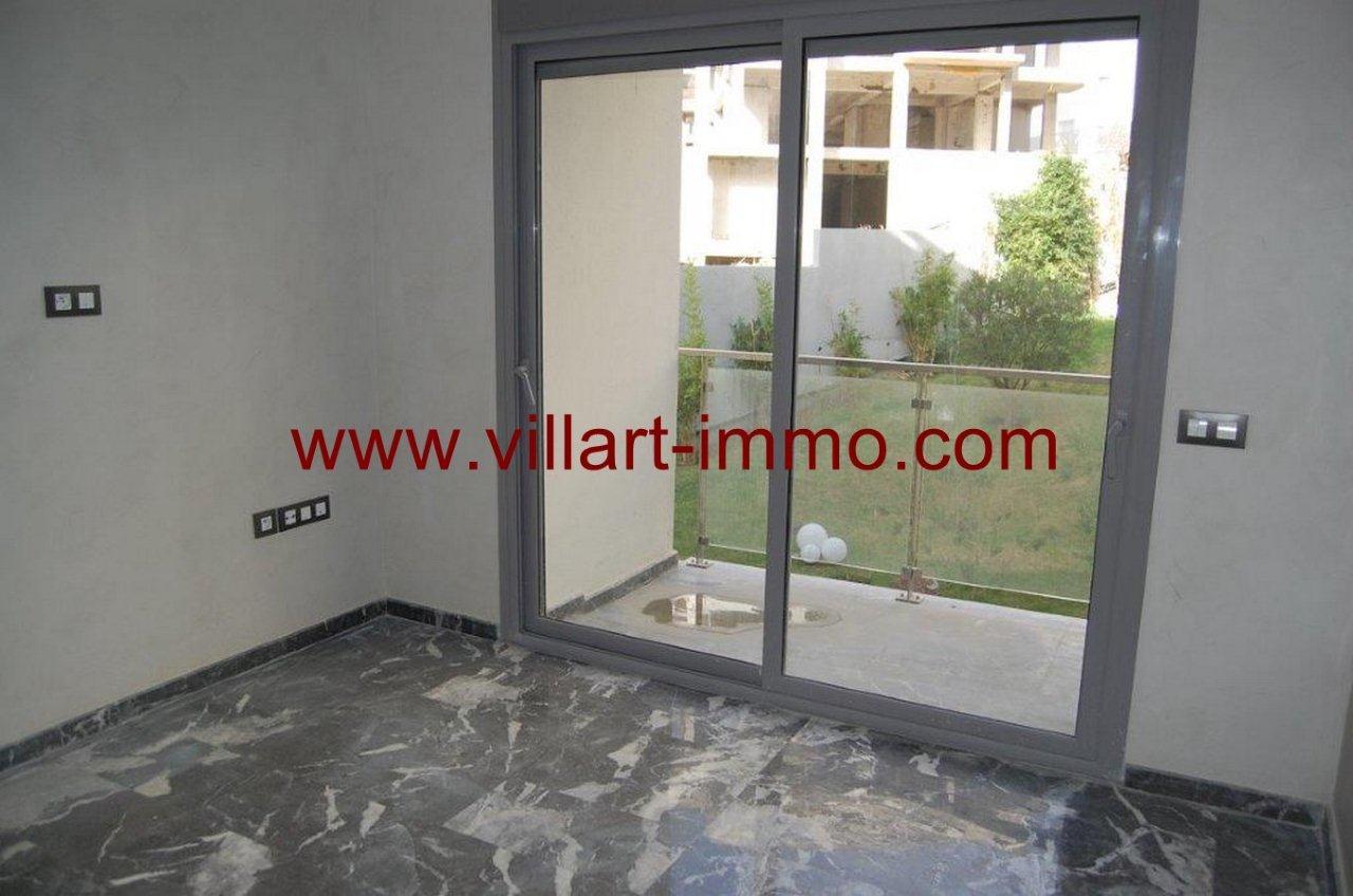 8-A louer-Appartement-Non meublé-Tanger-Salon 2-L905-Villart immo
