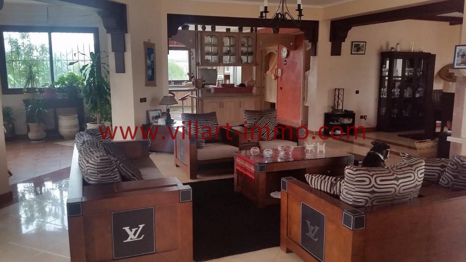 3-A louer-Villa-Meublée-Tanger-Achakar-Salon 3-LSAT914-Villart immo