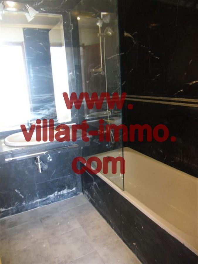 5-Location-Appartement-meublé-Tanger-Centre-Ville-Salle-De-Bain-L244-Villart-immo