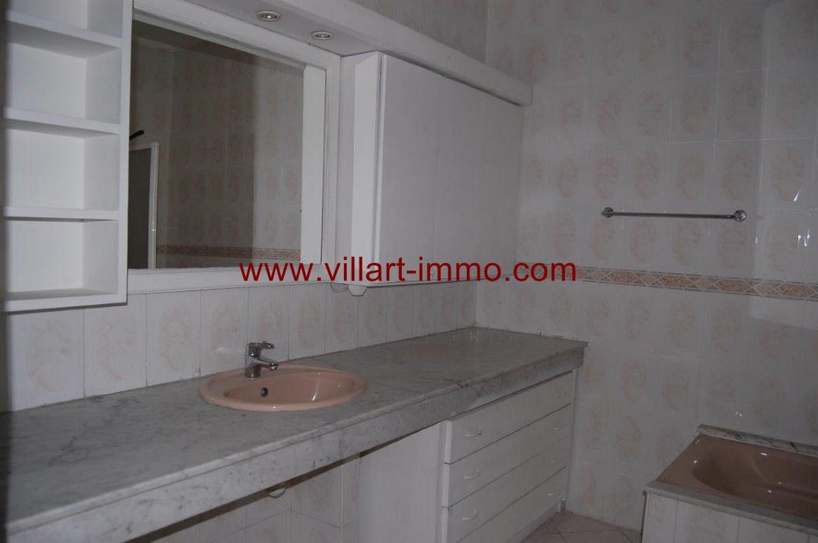 15-location-appartement-non meublé-Tanger-centre ville-Salle de bain 2-L105