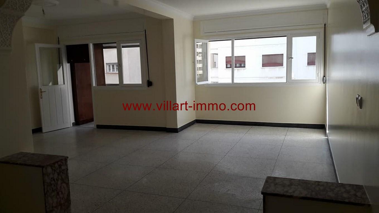 1-Location-appartement-Non meublé-Tanger-Quartieradministratif-salon-L1070 (Copier)