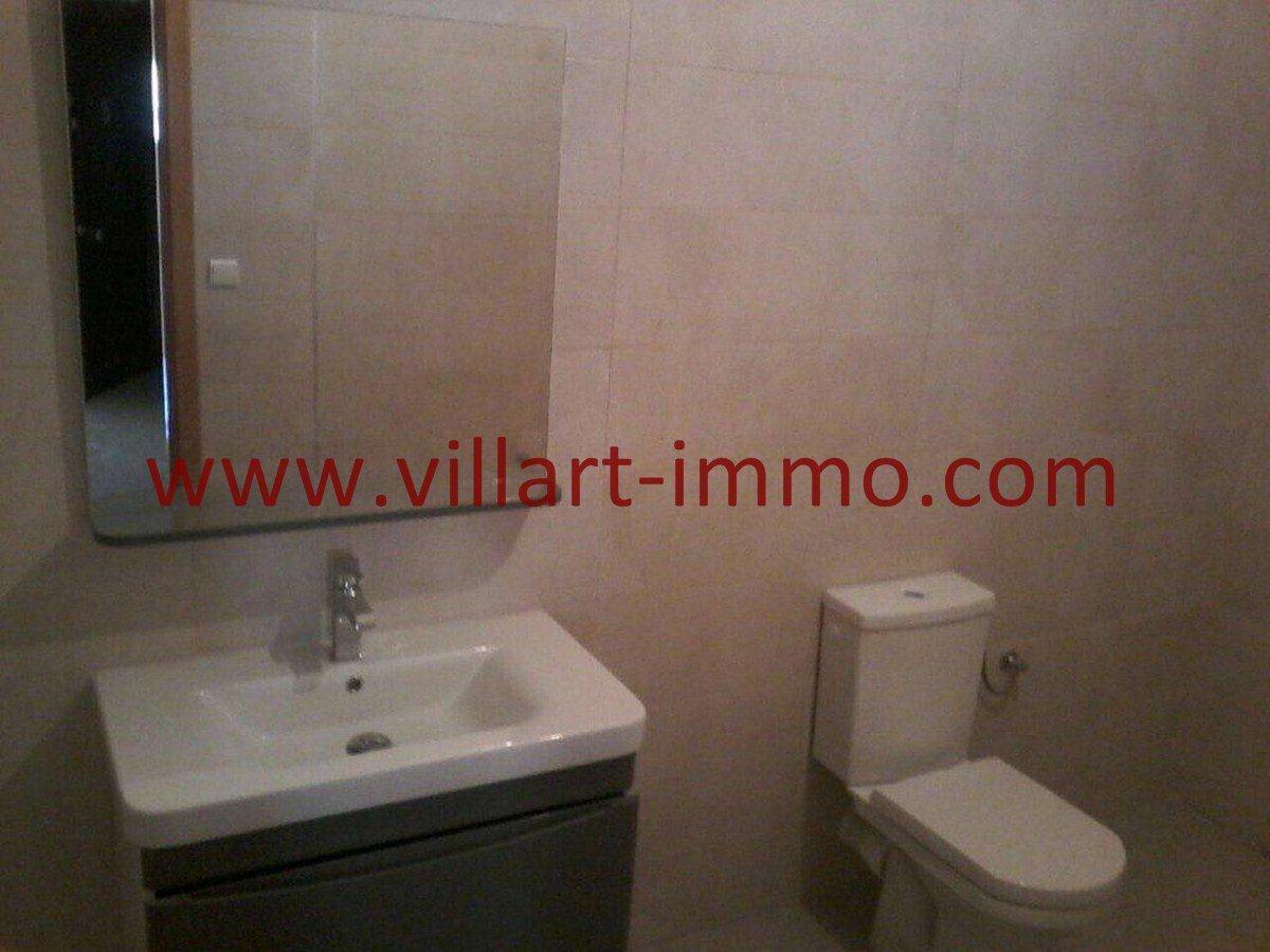 7-Vente-Maison-Tanger-Mesnana -Hall-Salle de bain 2-Villart Immo