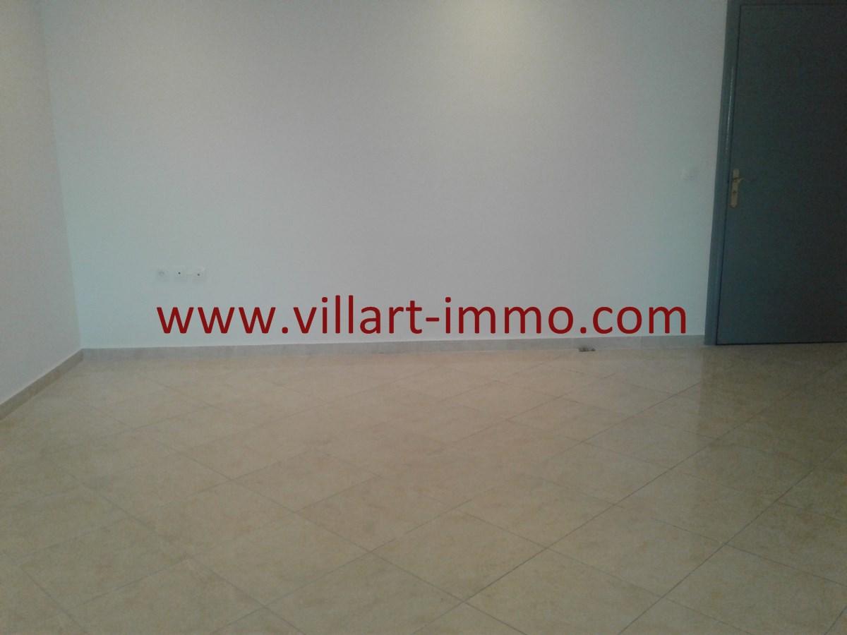 3-Vente-Appartement-Val fleuri-Tanger-Salon 2-VA536-Villart Immo
