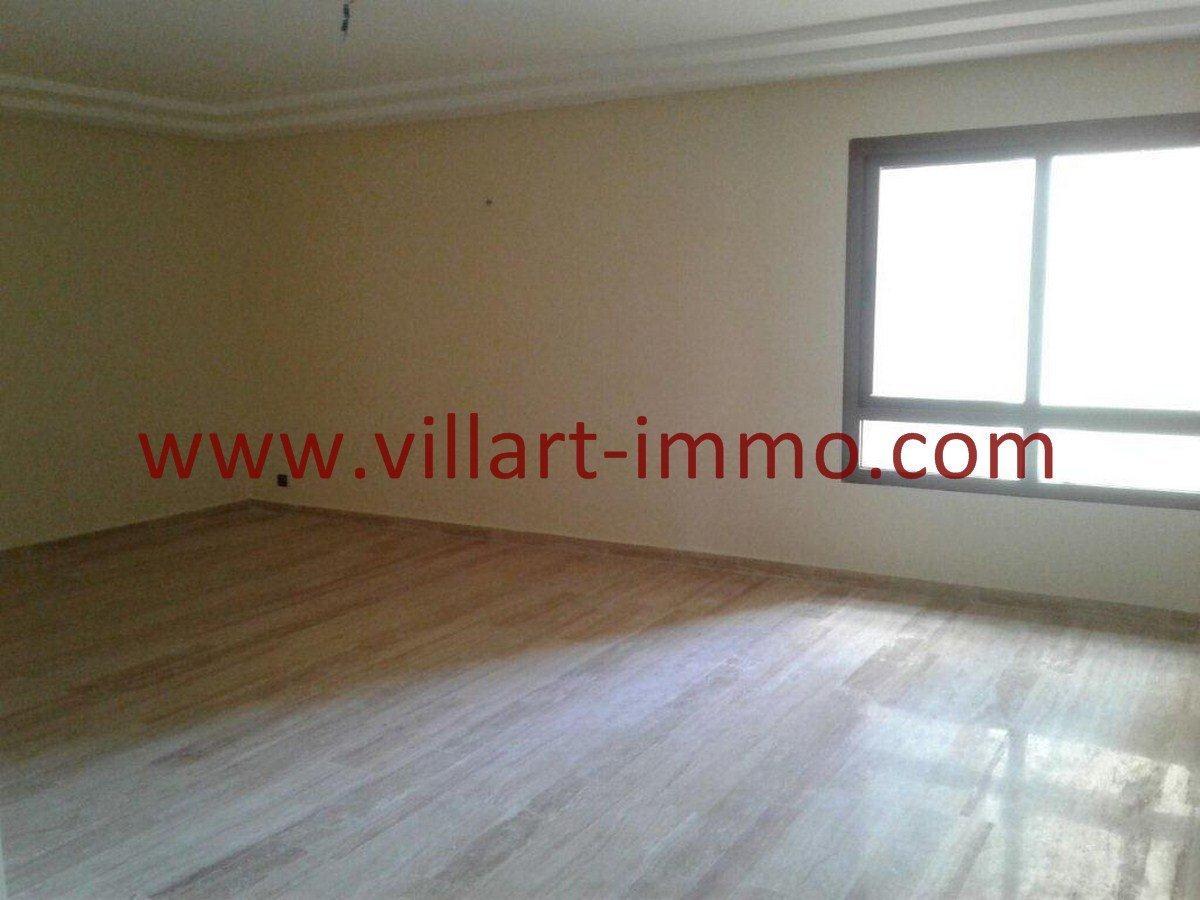 2-Vente-Appartement-Tanger-Malabata-Salon-VA553-Villart Immo