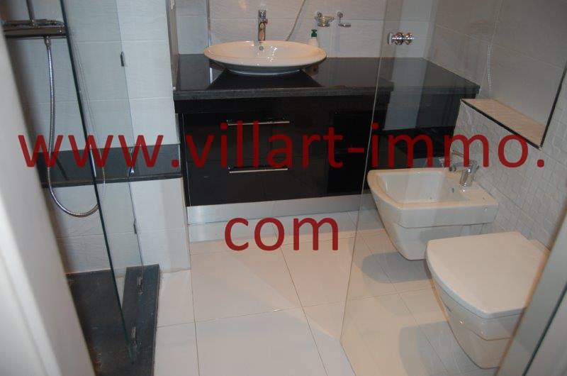 12-A louer-Appart-non meublé-Tanger- Salle de bain L1086-Villart immo- Maroc