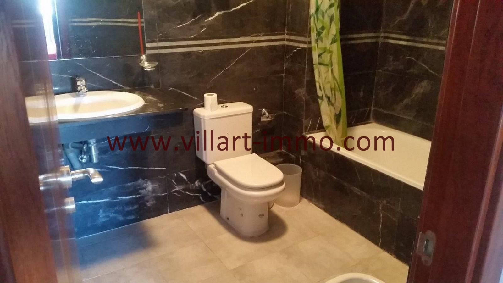 8-Vente-Appartement-Tanger-Centre-De-Ville-Salle de bain-VA576-Villart Immo